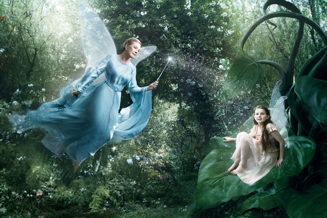 Julie Andrews as the Blue Fairy and Abigail Breslin as apprentice